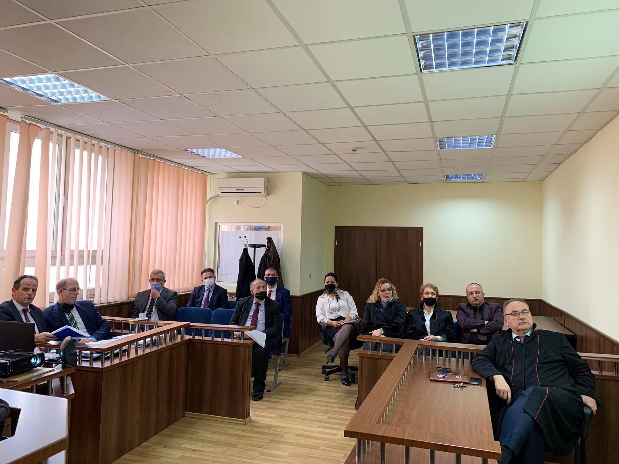 Në Gjykatën Themelore në Pejë u diskutua Draft Udhëzuesi – Korrupsioni Zyrtar dhe Veprat Penale Kundër Detyrës Zyrtare
