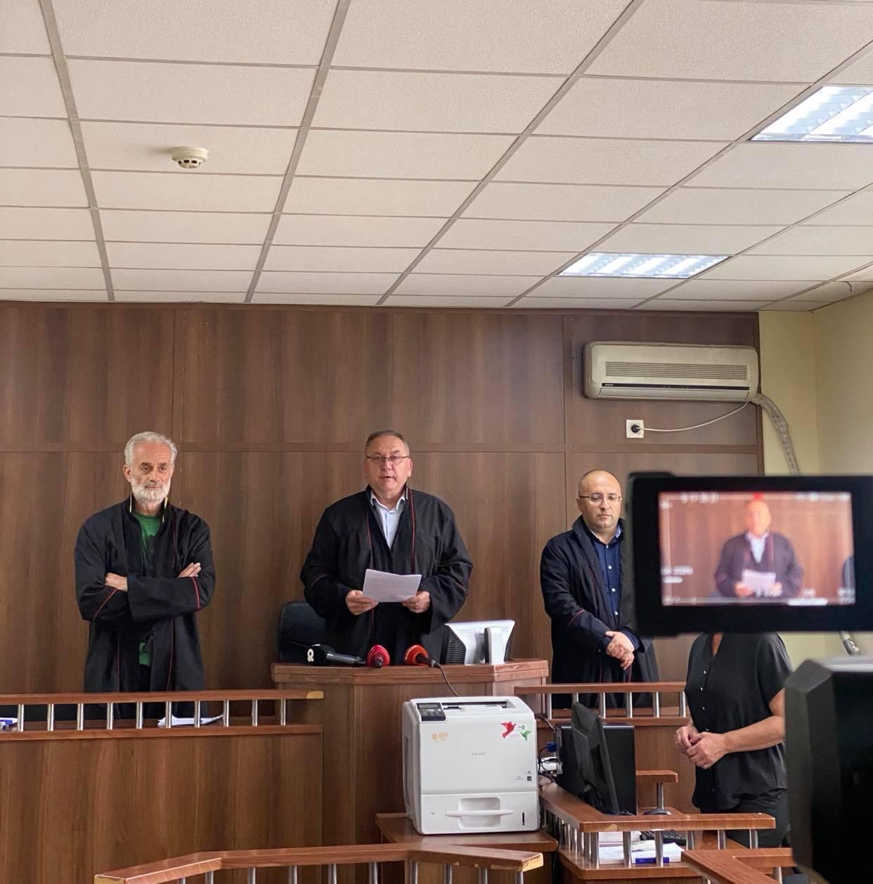 Një vit burgim dhe ndalim i ushtrimit të funksioneve në administratën publike ndaj H.R për konflikt interesi